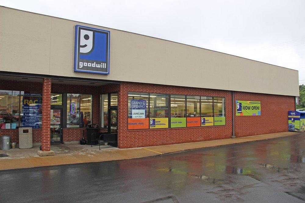 Goodwill Store: 1226 Main St, Keokuk, IA