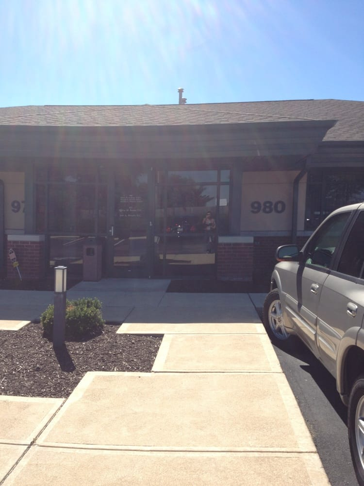 Baum and Brassie Chiropractic: 972 Kehrs Mill Rd, Ballwin, MO
