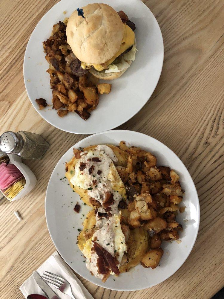 Aunt Katie's - Welcome to Breakfast: 3005 E Cervantes St, Pensacola, FL
