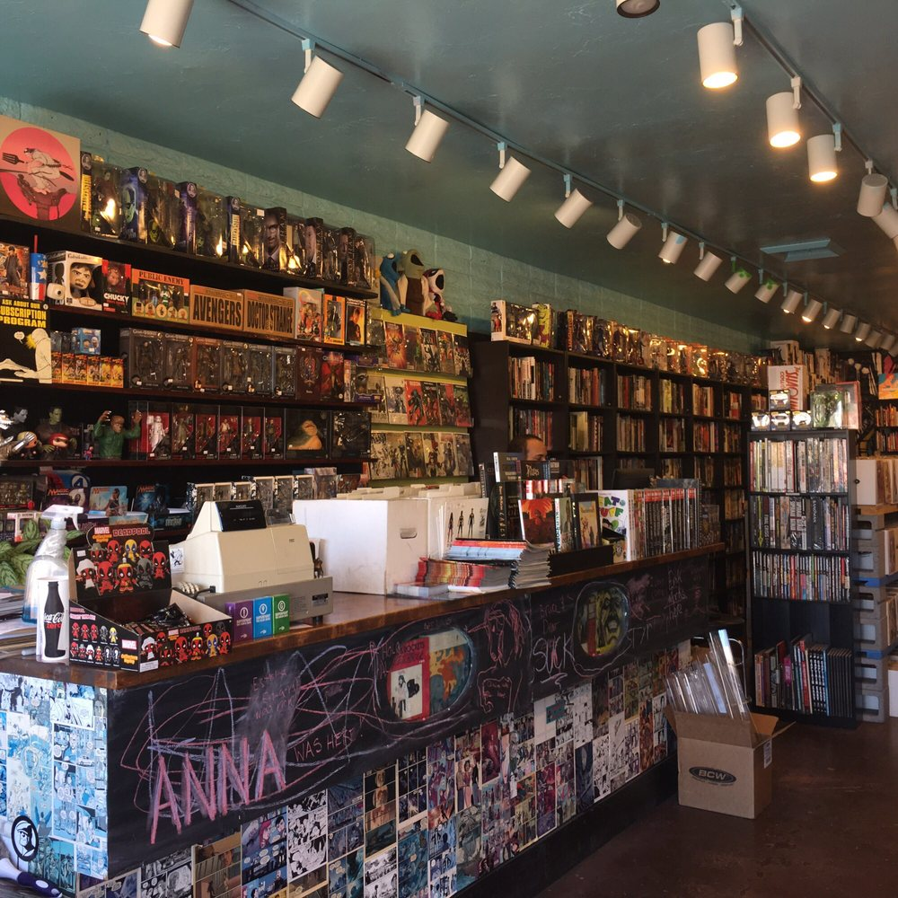 Ash Avenue Comics & Books