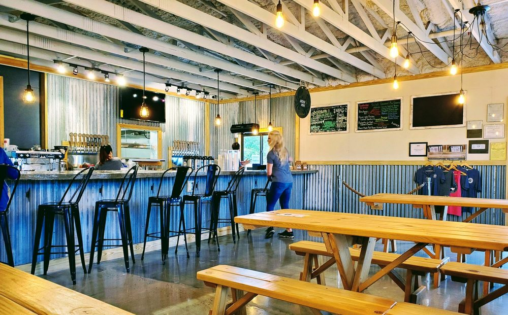Tidal Creek Brewhouse: 3421 Knoles St, Myrtle Beach, SC