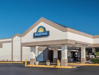 Days Inn by Wyndham South Hill: 911 East Atlantic Street, South Hill, VA