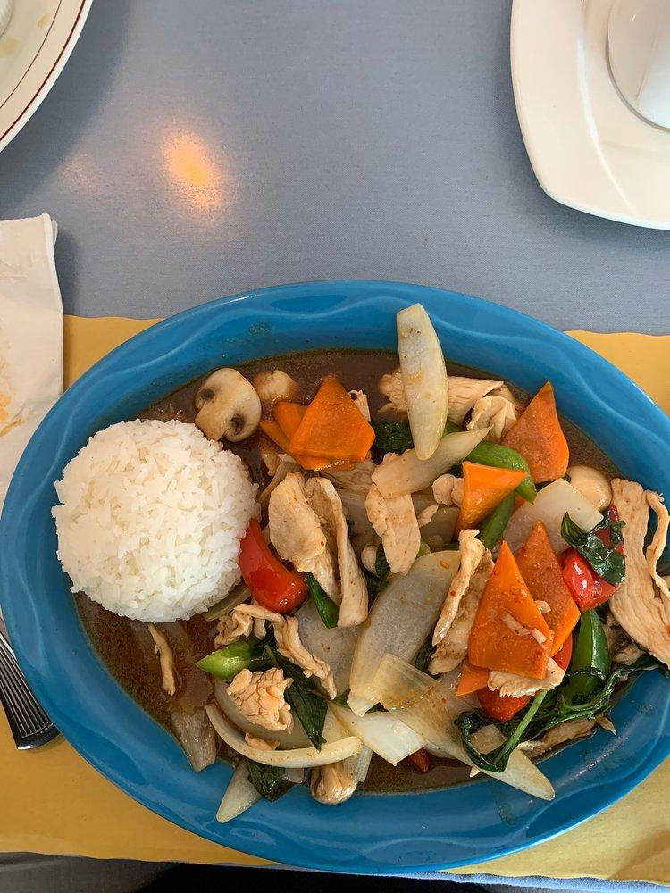 Bangkok Cafe: 10 Foxborough Blvd, Foxboro, MA