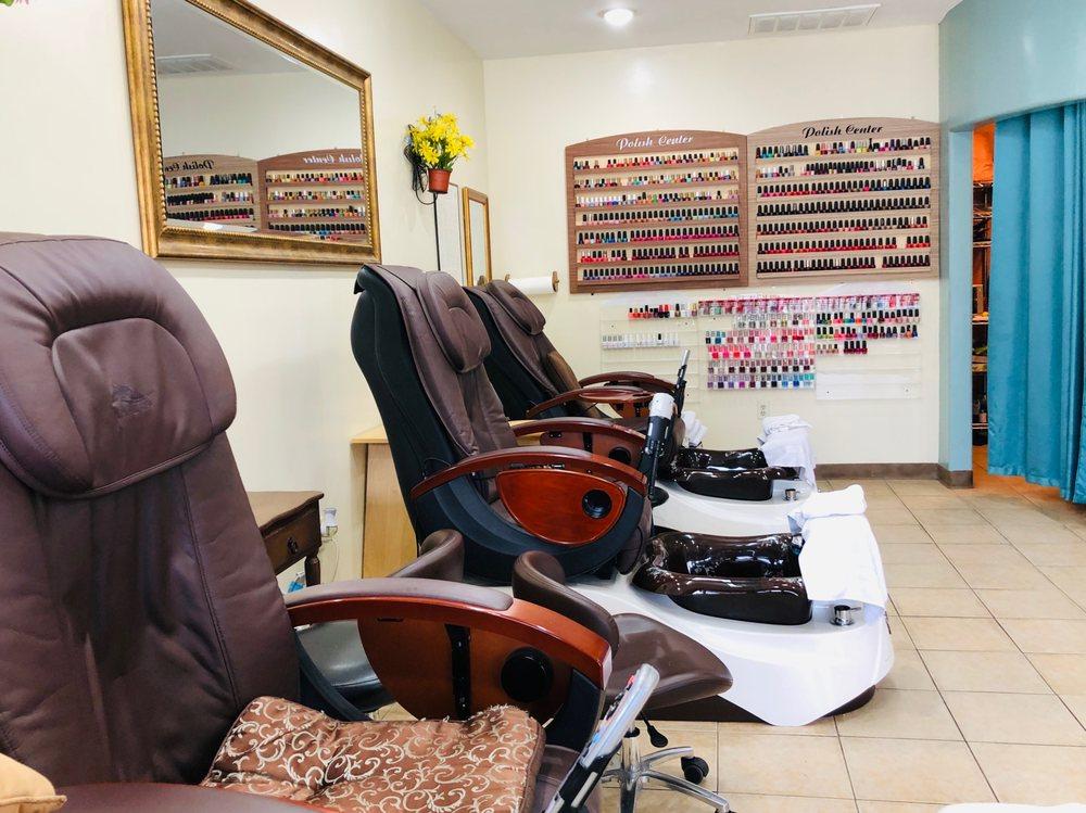Diane's Salon: 3130 Alpine Rd, Portola Valley, CA