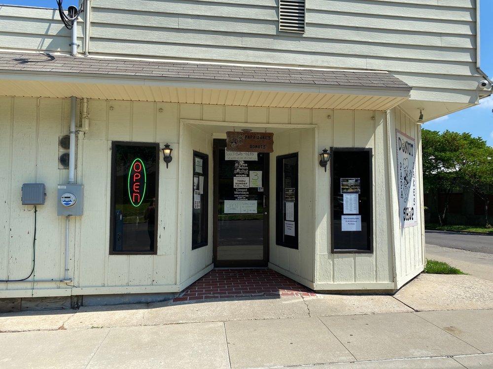 Papa Jake's Donut Shop: 1200 W 16th St, Sedalia, MO