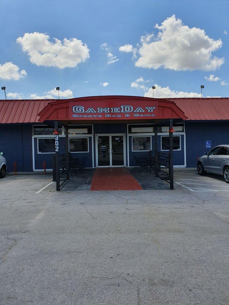 GameDay Sports Bar and Grill: 302 W Veteran Memorials Blvd, Harker Heights, TX