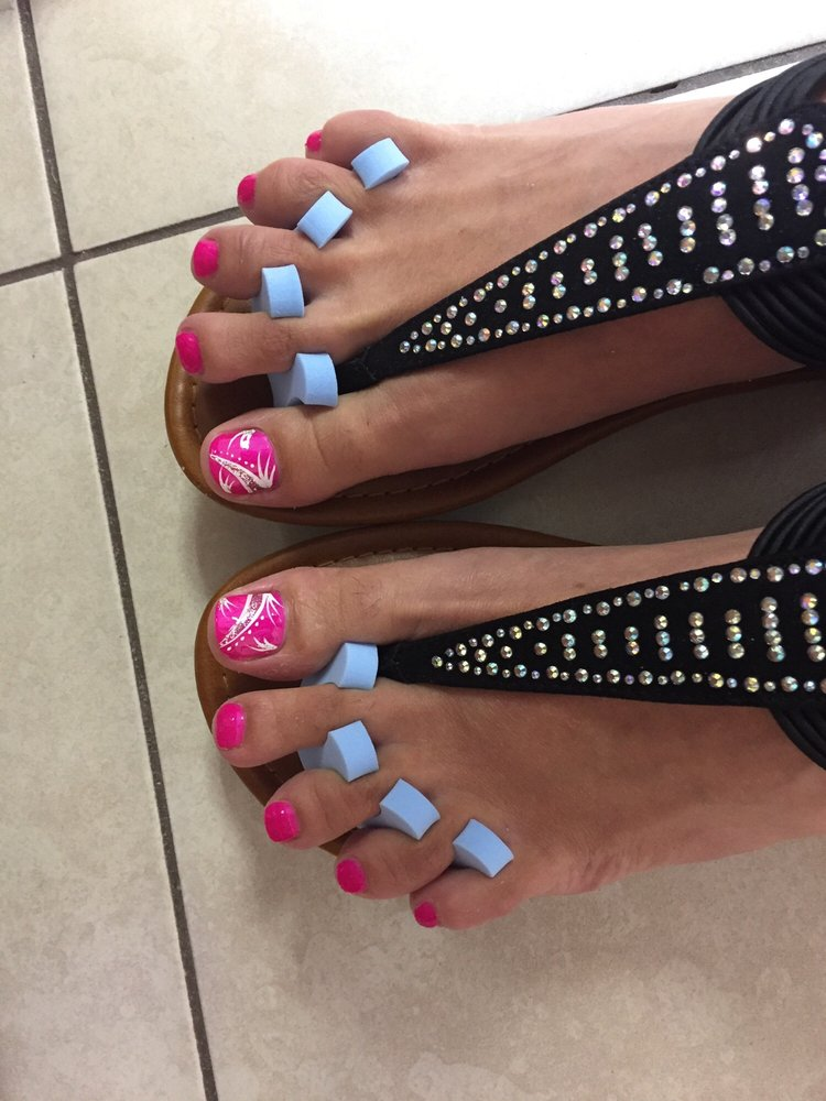 Golden Nails: 975 Merriam Ave, Leominster, MA