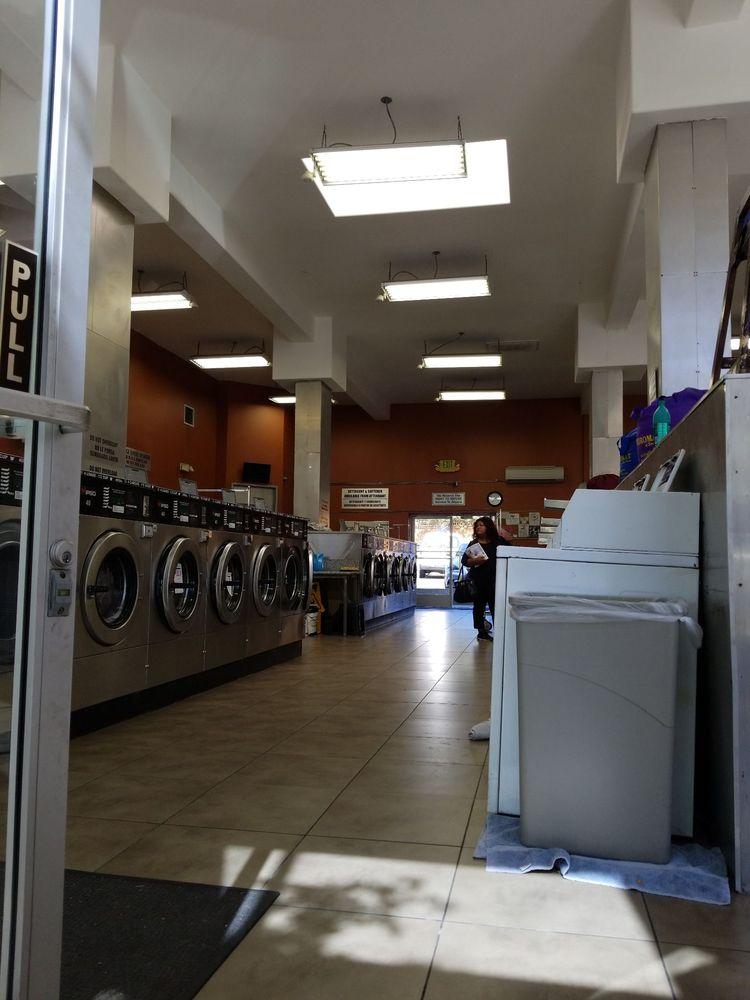 The Laundromat of San Pedro