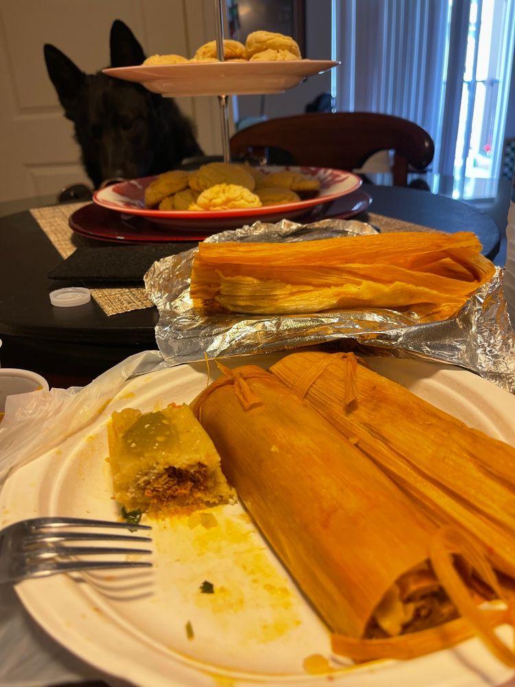 Mom's Tacos: 28120 State Rte 410 E, Buckley, WA