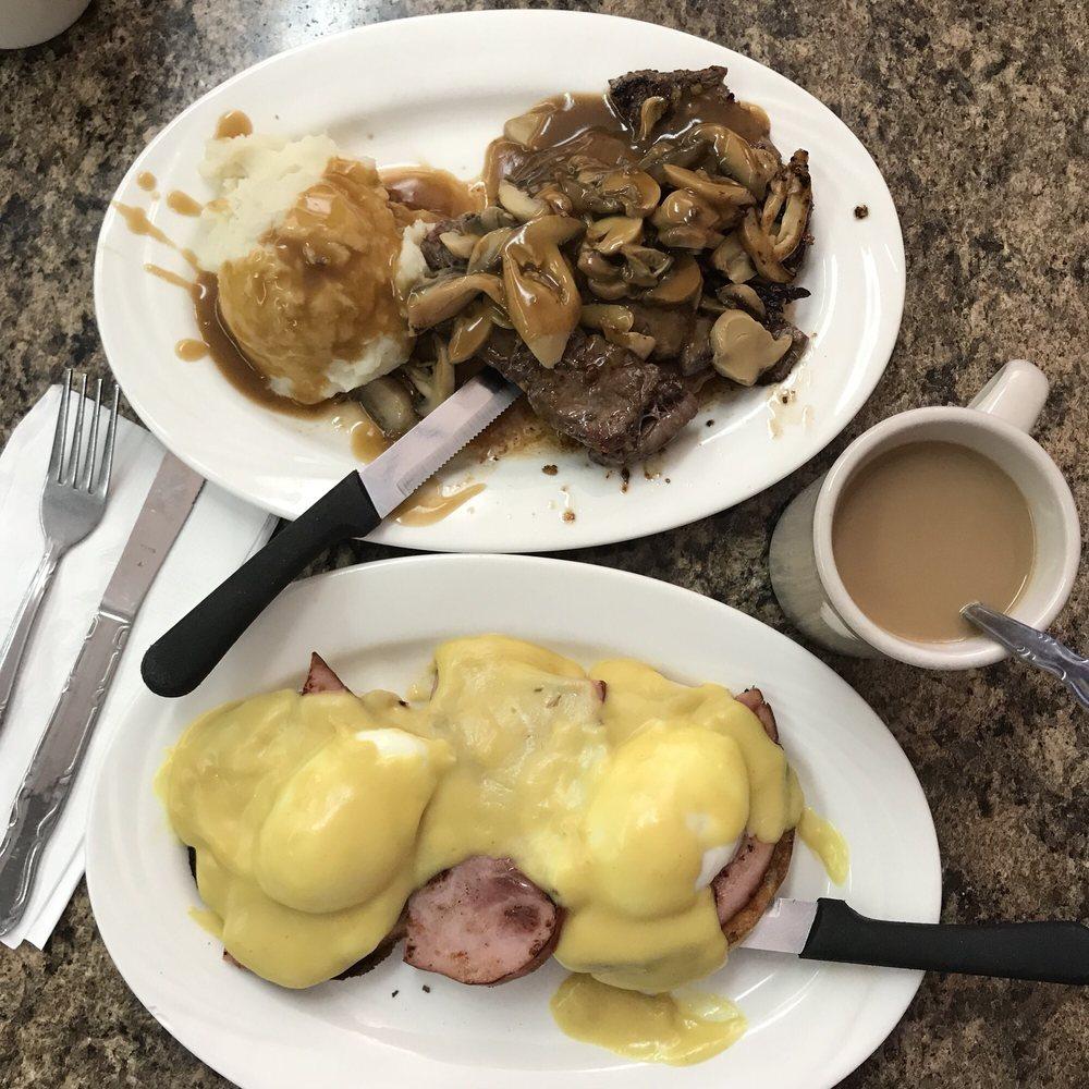 Colonial Restaurant: 366 New Brunswick Ave, Fords, NJ