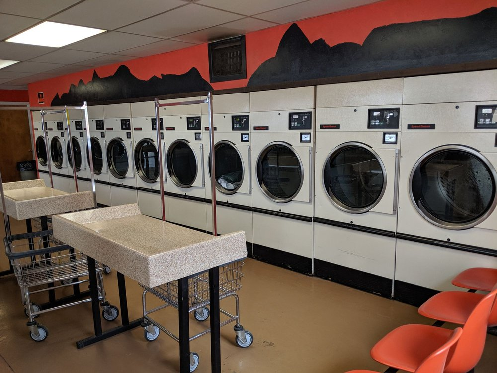 D&B Coin-Op Laundromat: 218 E Center St, Monticello, UT