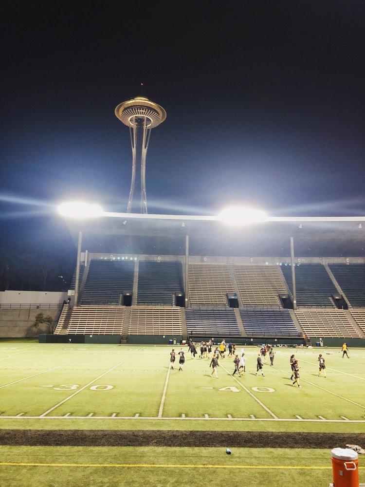 Memorial Stadium - 14 Photos & 14 Reviews - Stadiums