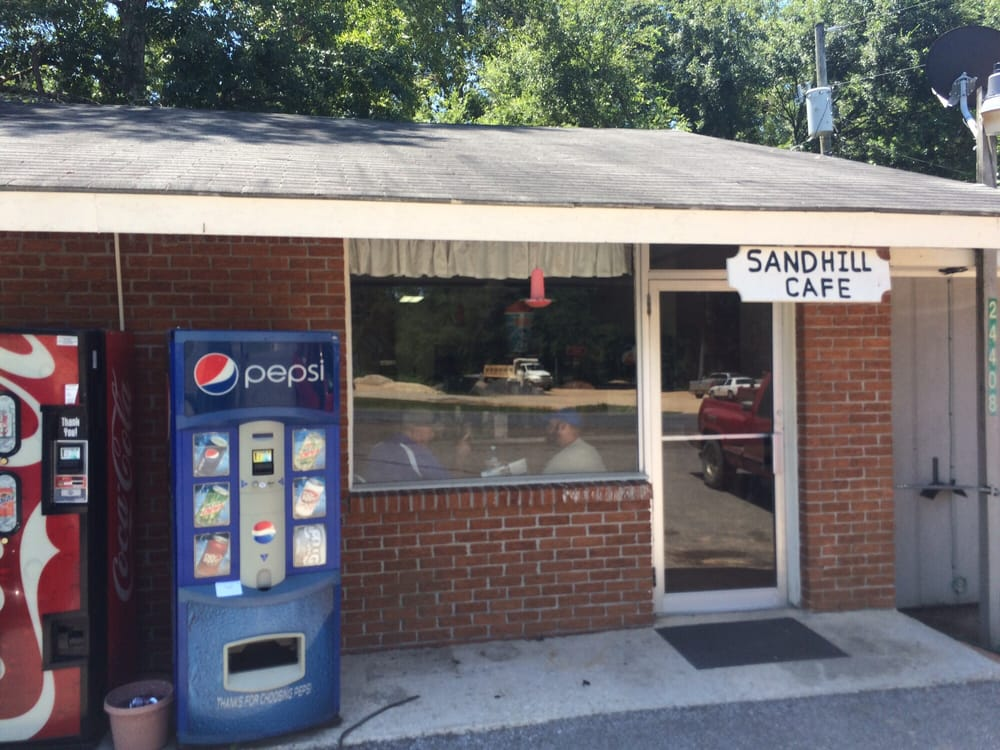 Sandhill Cafe: Hwy 42, Richton, MS