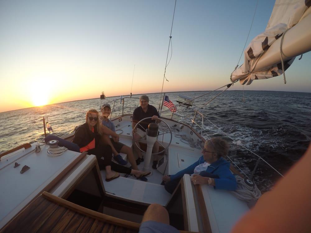 SailDestin: 600 Harbor Blvd, Destin, FL