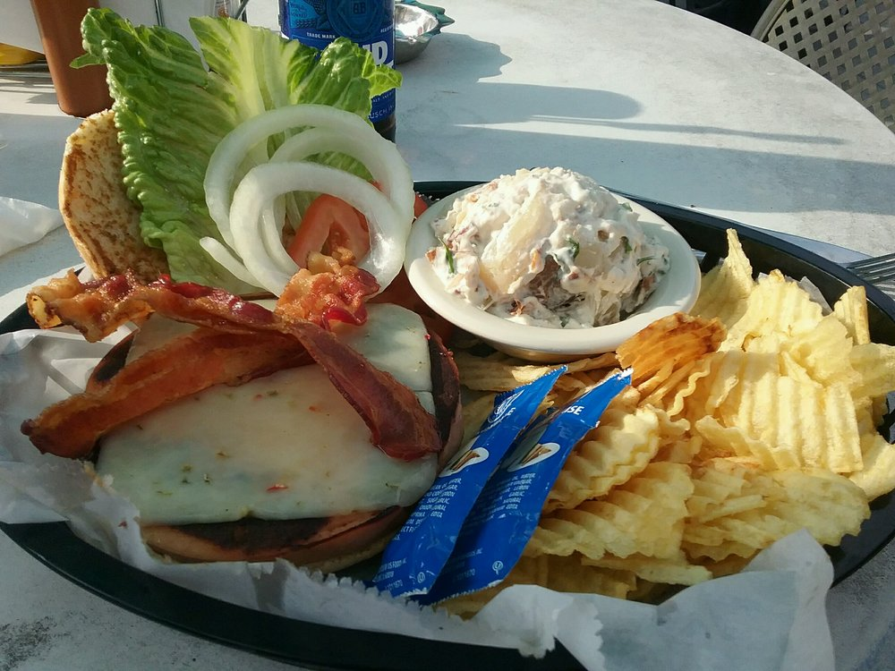 Sunset Grill: 1160 US Hwy 42 W, Warsaw, KY