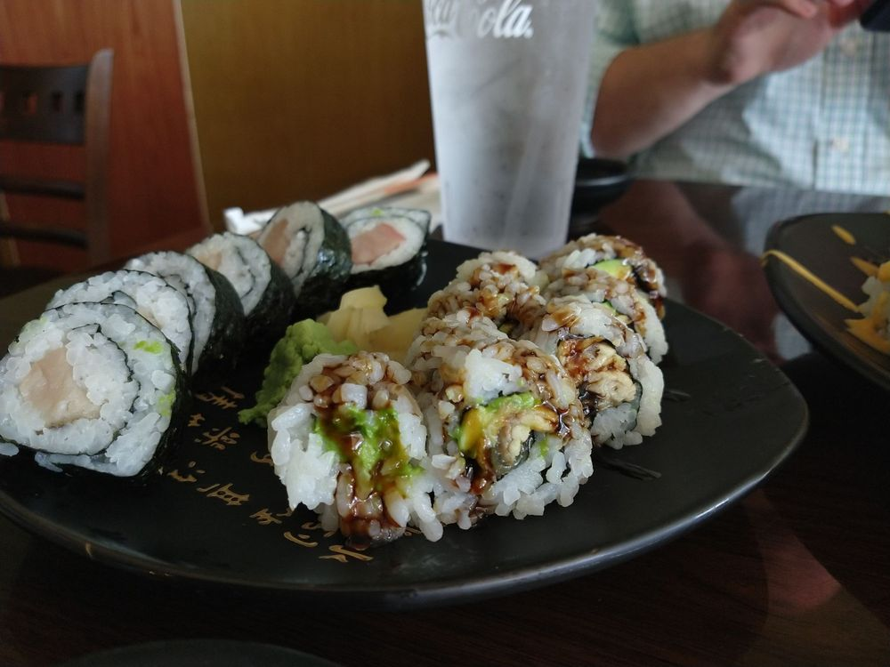 Konnichiwa Bento, Sushi & Grill: 4026 Hwy 9, Boiling Springs, SC