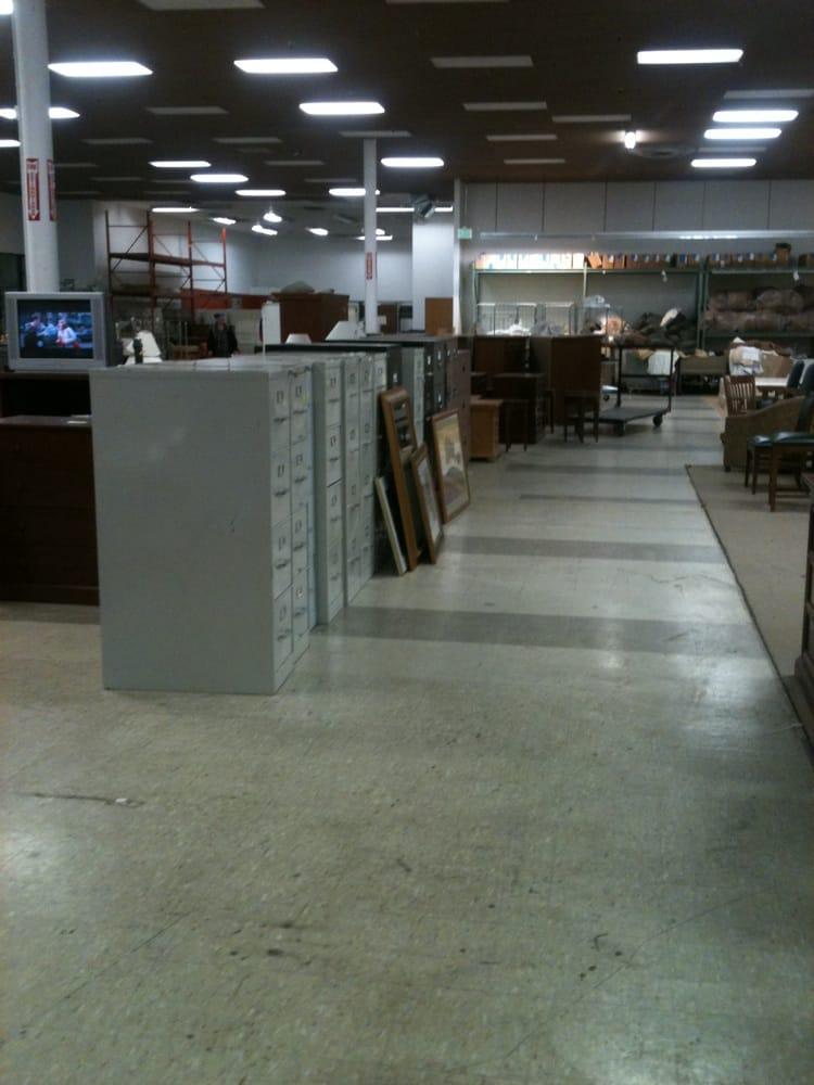 National Hotel Liquidators Closed Furniture S 900 E
