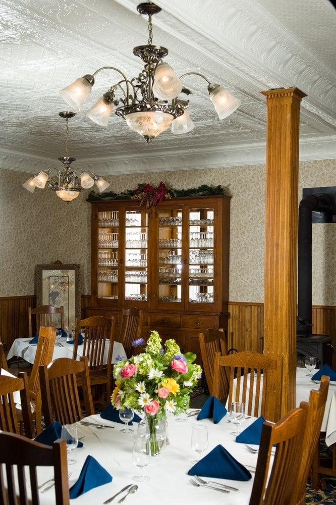 The Historic Elk Mountain Hotel: 102 E Main St, Elk Mountain, WY