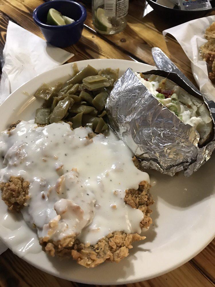 MA's CrossRoads Grill: 1206 Willis St, Santa Anna, TX
