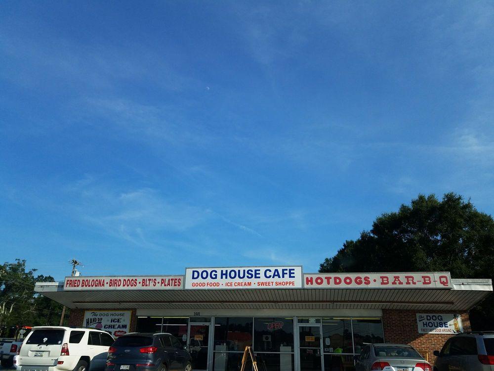 Dog House: 1601 Anderson Drive, Williamston, SC