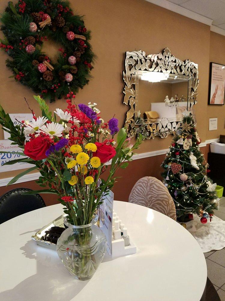 Madison Park Nail & Spa: 694 Boston Post Rd, Madison, CT