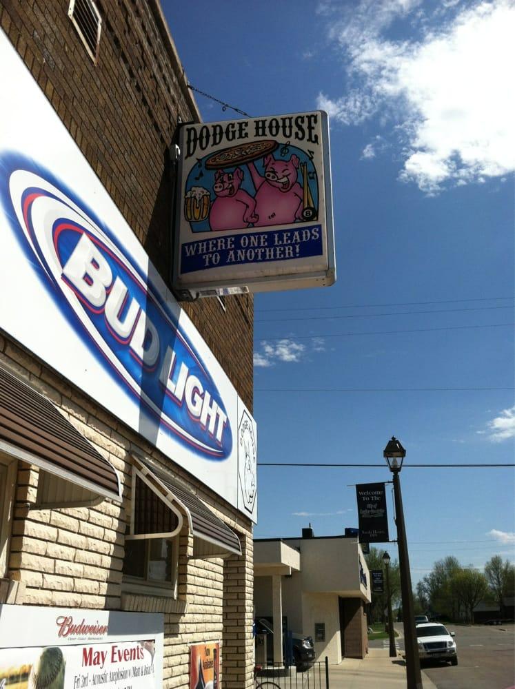 Dodge House: 22 Juniper St N, Lester Prairie, MN