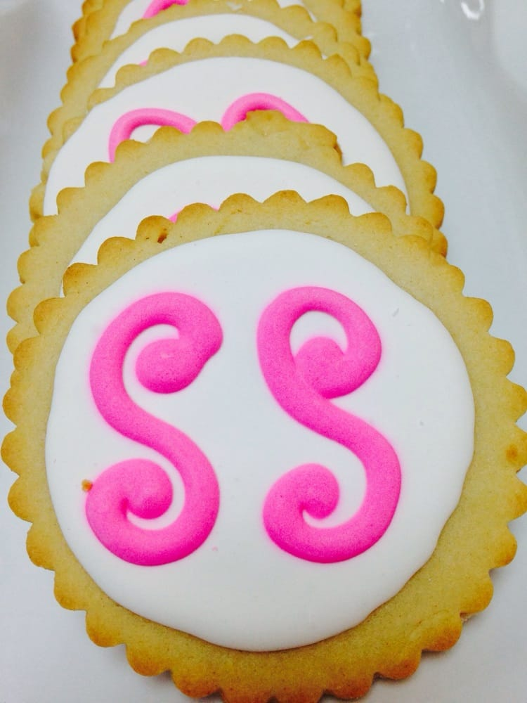 Sweet Swirls Cakes & Confections: 711 4th St, Corning, CA