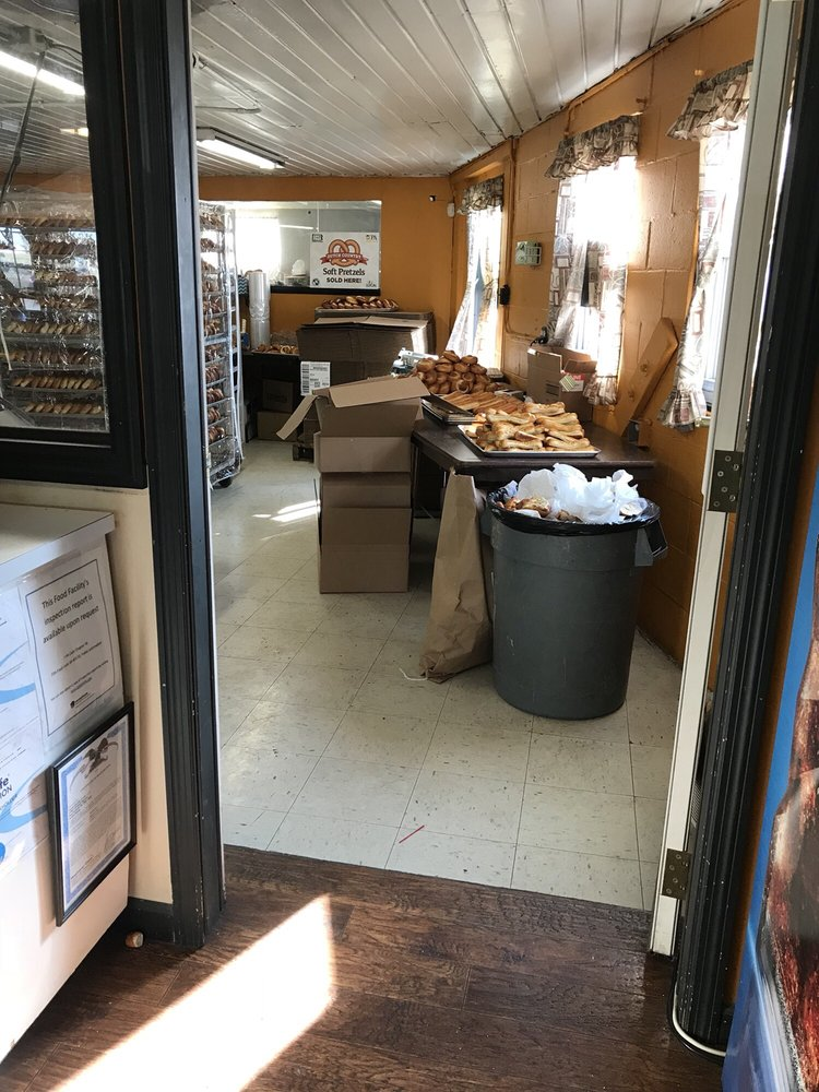 Dutch Country Soft Pretzels: 2758 Division Hwy, New Holland, PA
