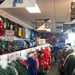 sports fanatics store locations