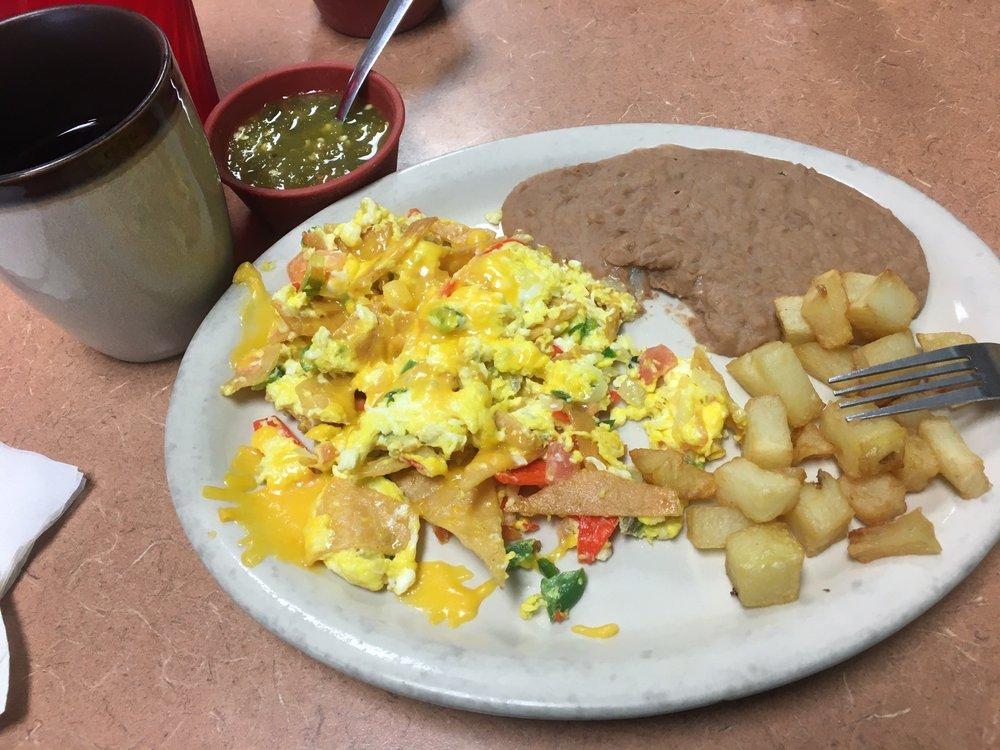 Mi Lupita Taco House: 613 N Saint Joseph St, Gonzales, TX