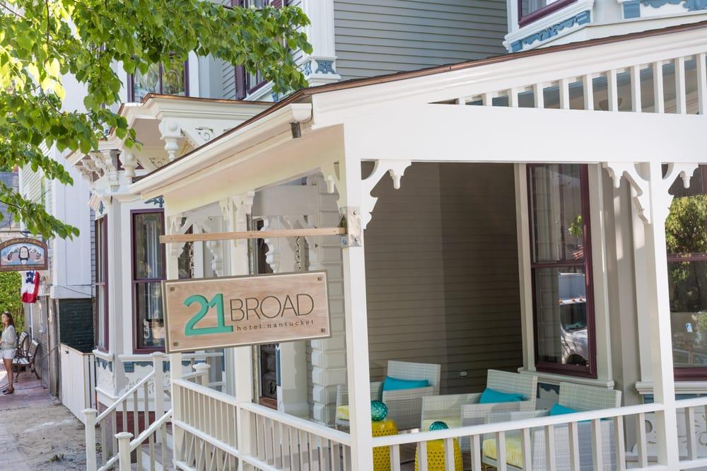 21 Broad: 21 Broad St, Nantucket, MA