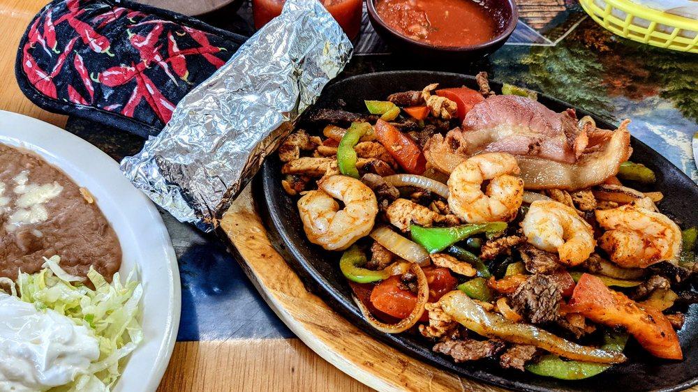 Camilo's Mexican Restaurant: 115 W 9th St, Rector, AR