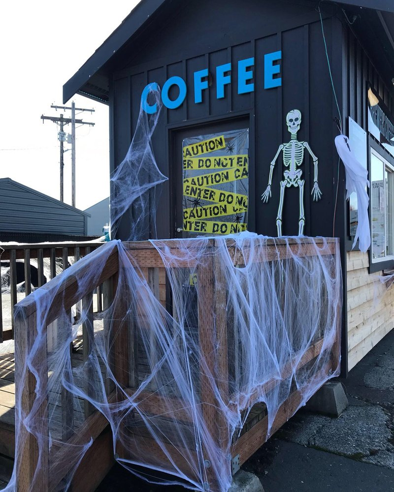 Brewers Coffee Co: 20127 Broadway Ave, Snohomish, WA
