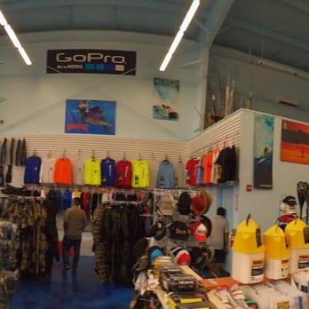 S tokunaga store 22 photos 14 reviews outdoor gear for Fishing supplies honolulu