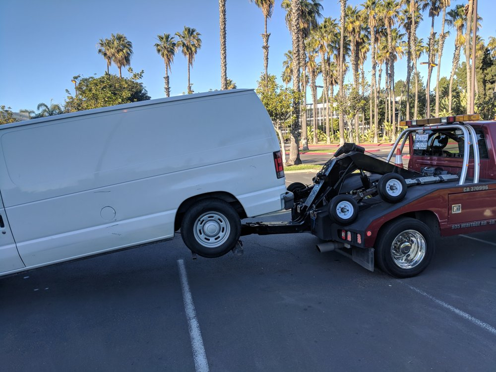 R&J Towing Service: 1031 National City Blvd, San Diego, CA