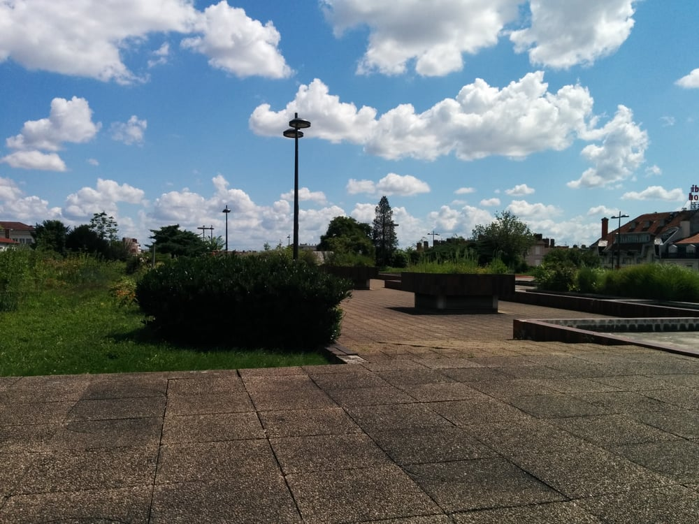 Les jardins de perrache landmarks historic buildings for Le jardin lyon