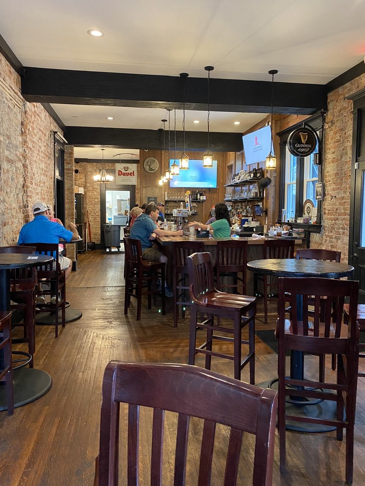 The Swire Inn: 64 S Main St, Middletown, OH