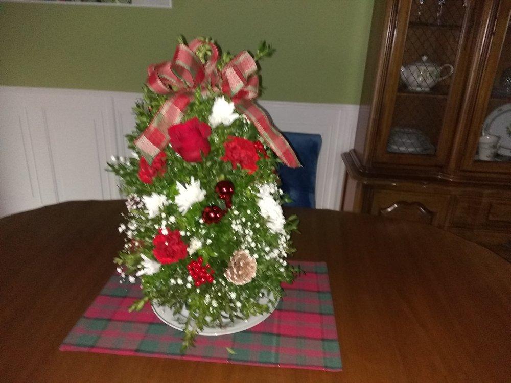 Peggy Ann the Girls Florist: 185 N Main St, Manahawkin, NJ