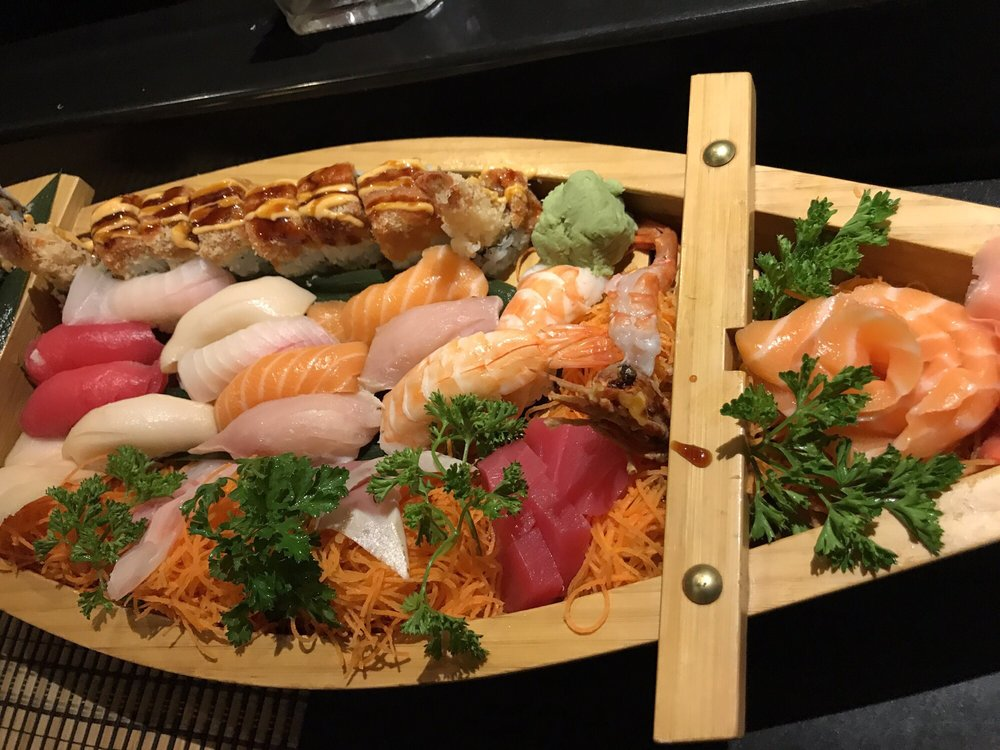 Fuji Japanese Steak House & Sushi Bar: 3600 Country Club Dr, Jefferson City, MO