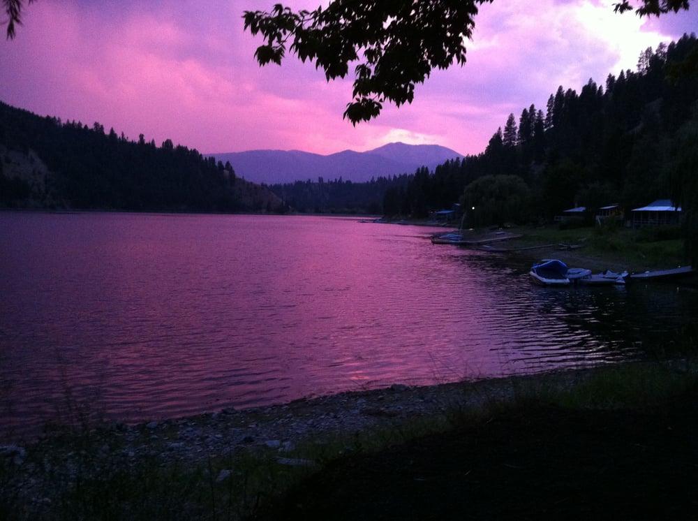 Conconully Lake Resort: 102 Sinlahekin Rd, Okanogan, WA