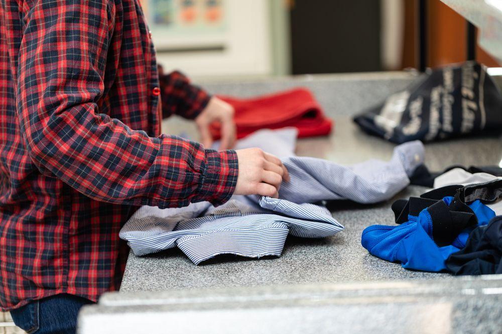 Point Laundry: 2800 E Grand River Ave, East Lansing, MI