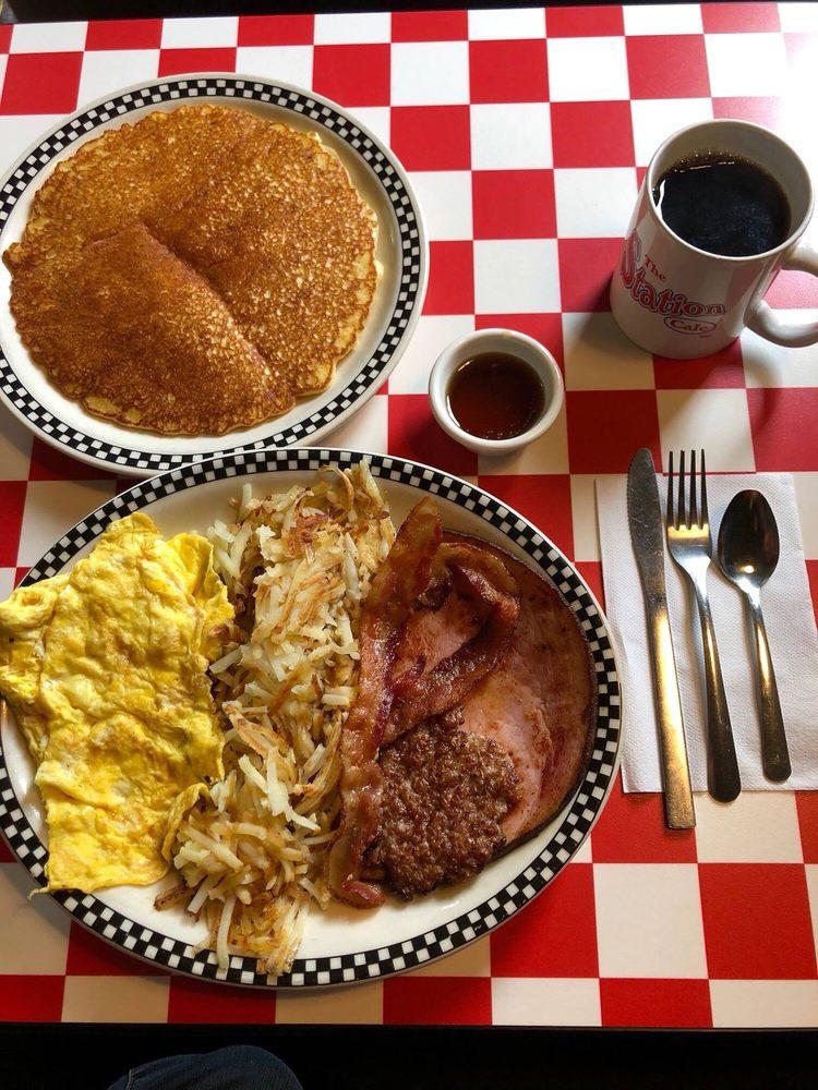 The Station Cafe: 409 SE 6th St, Bentonville, AR
