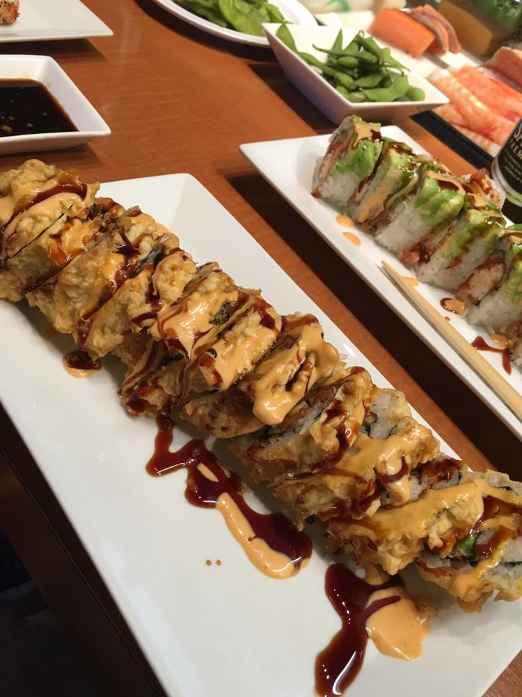 Spicy salmon tempura roll yelp for Asian cuisine fresno