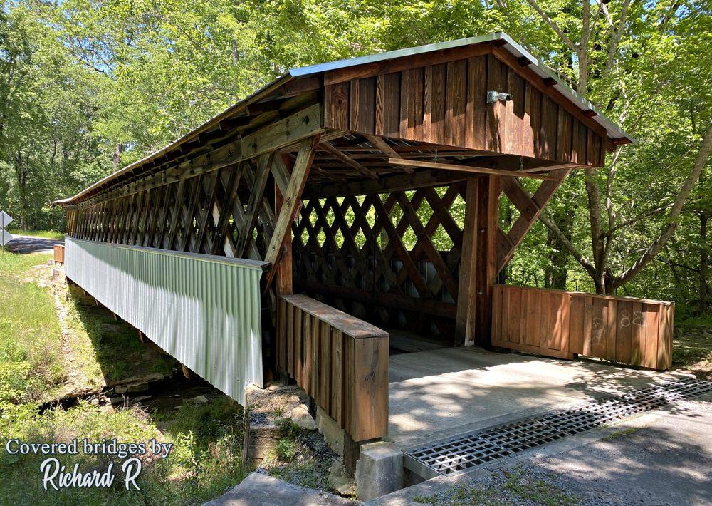 Easley Covered Bridge: 440 Easley Bridge Road, Oneonta, AL