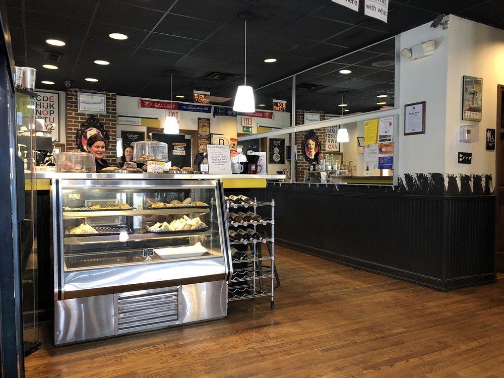 Das KaffeeHaus von Frau Burkhart: 45 E Columbus St, Lithopolis, OH