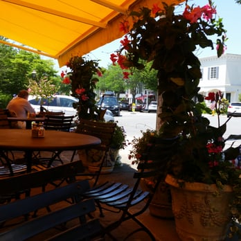 Deeangelos Pleasant Ave Cafe Reviews Cafes Westhampton - The patio westhampton