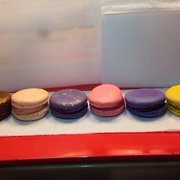 la maison du macaron new york ny united states lots of deformed ugly macarons not photogenic. Black Bedroom Furniture Sets. Home Design Ideas