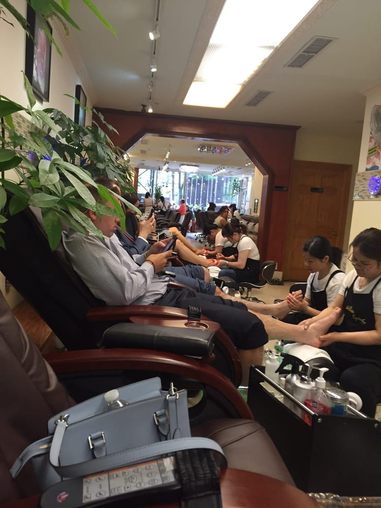 William spring nail spa 24 fotos 99 beitr ge for 24 hr nail salon nyc