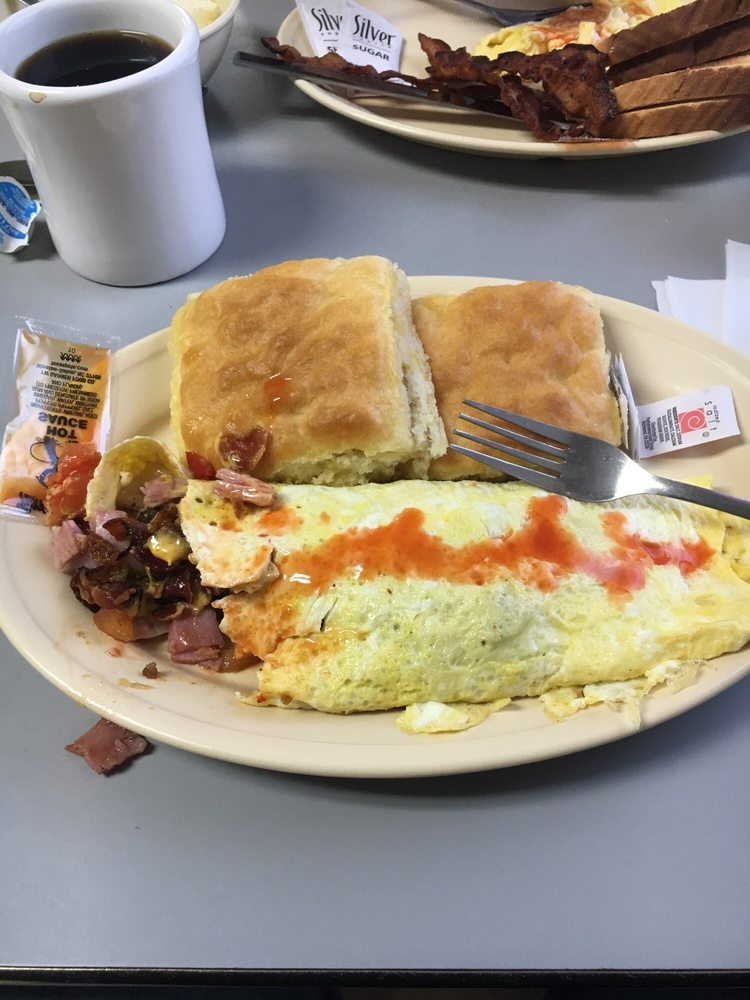 Country Diner: 2429 US 221 N, Marion, NC