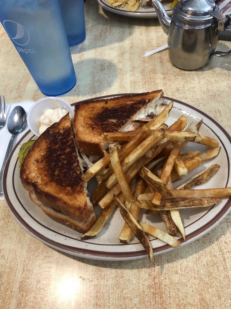 Jefferson Diner: 20 N Chestnut St, Jefferson, OH
